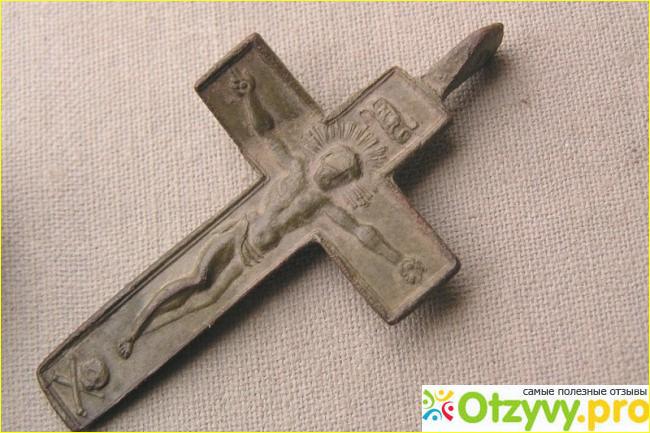Можно ли православному носить католический нательный крестик?